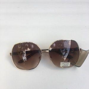 Brand new Oscar de la renta Sunglasses